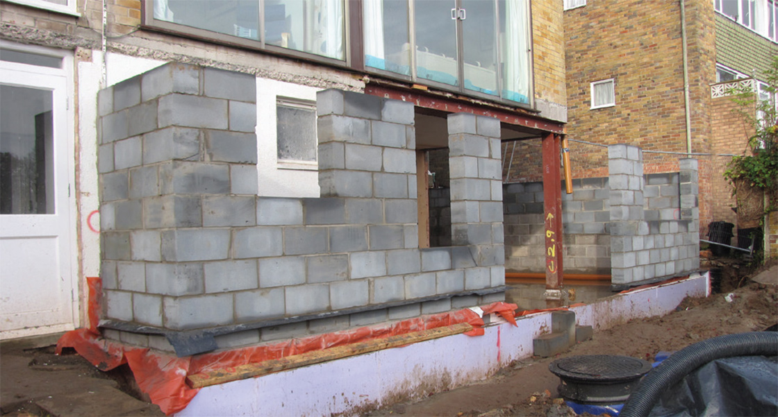 New extension constructed from H+H Celcon high strength AAC masonry, which was insulated with 120mm of Kingspan Kooltherm
