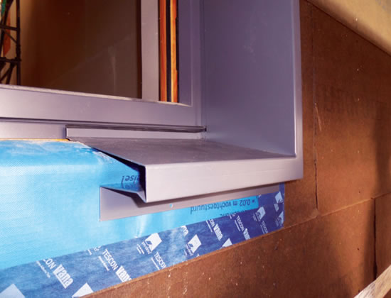 membranes brought under the Gutmann aluminium sills for maximum airtightness
