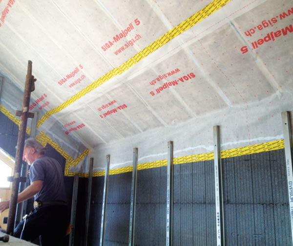 Siga Majpell membrane in the roof for airtightness