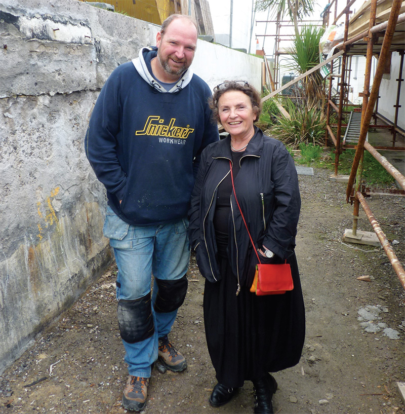 Builder Tim O'Donovan and client Doris Knoebel
