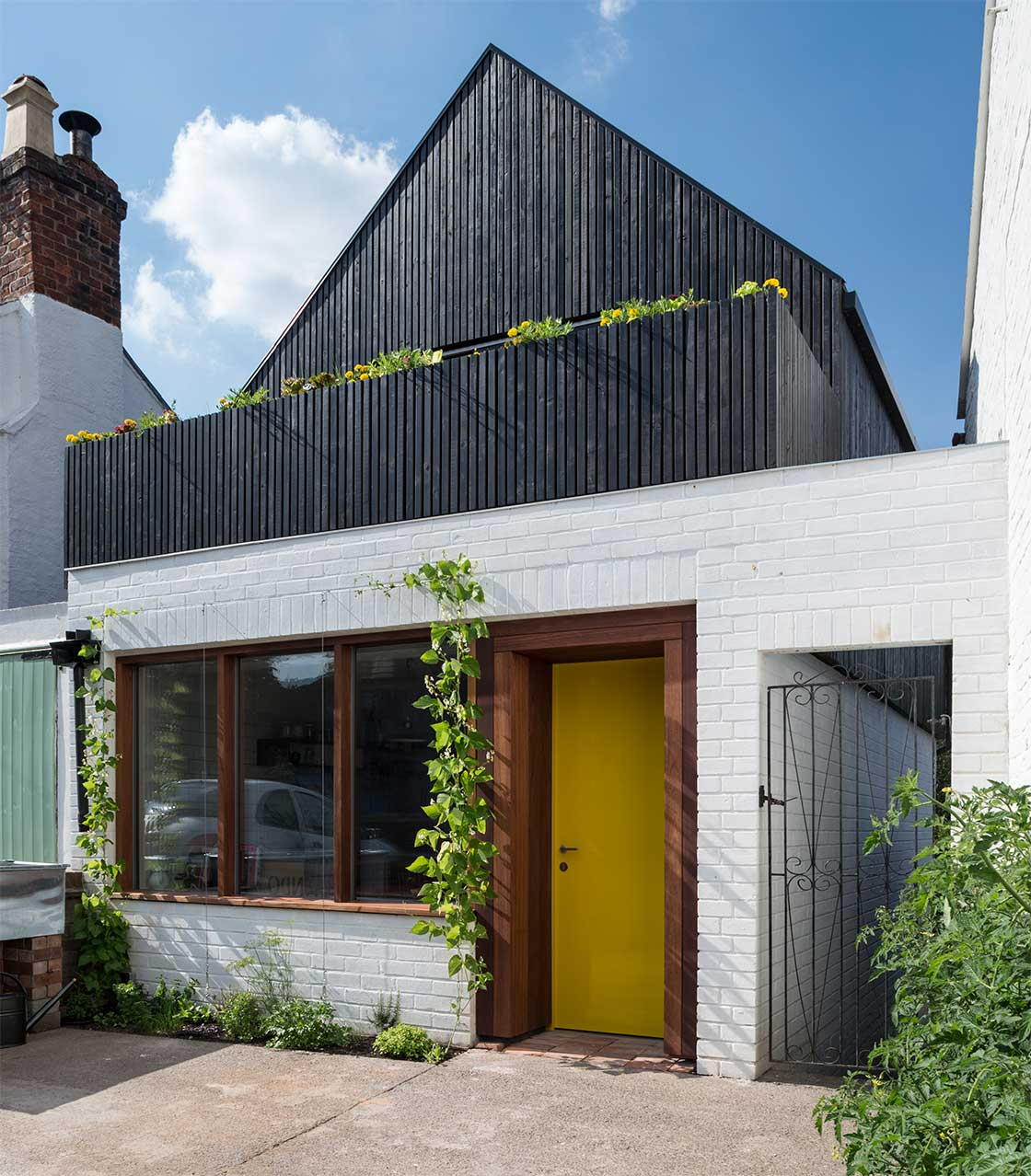 From derelict shop to tiny low energy home for Energy house