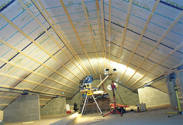 The roof build-up features an Intello membrane
