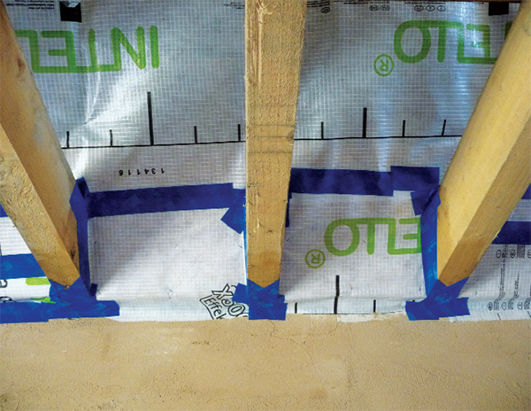 The Pro Clima system takes care of airtightness in the roof build-up, which was a challenge because of the complex roof structure