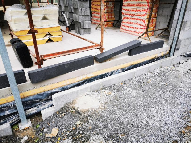 Thermal Brackets as structural support, to hold AluClad Sliding Doors