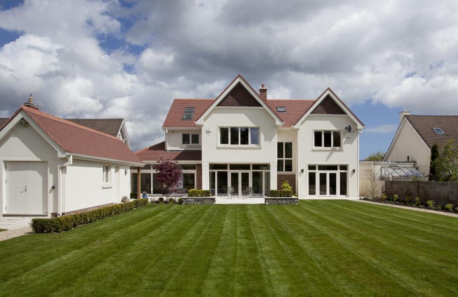 389 sqm home, €200/yr heating