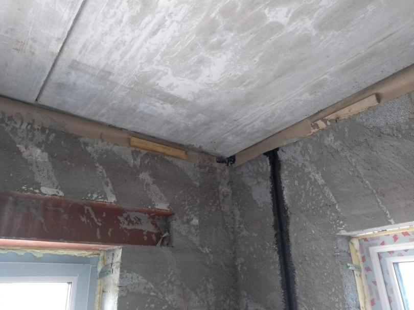 Air Tight Paint & Air Tight Foam for the perfect air tightness at ceiling levels