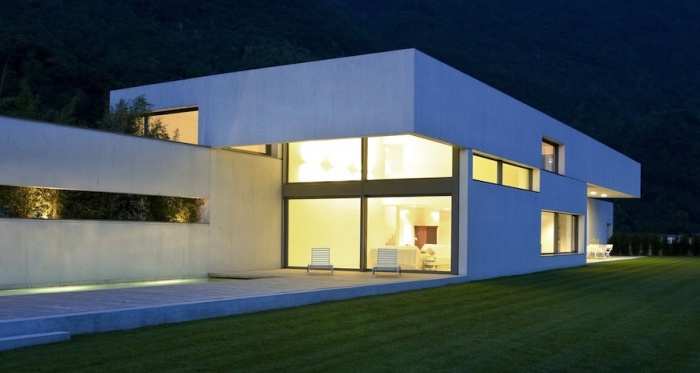 A low energy modernist house externally insulated with the Baumit system