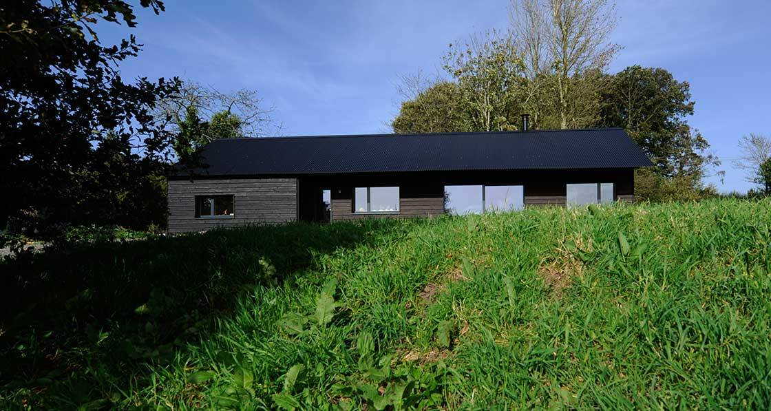 Deep green passive house defies all weather