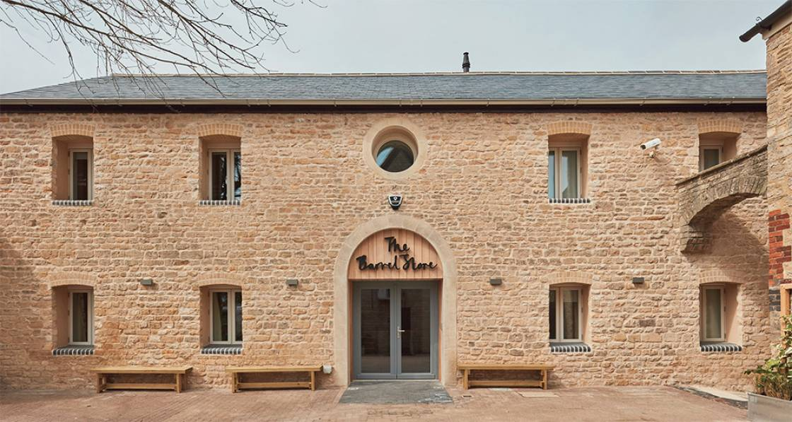 Victorian stone building becomes Enerphit youth hostel