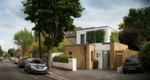 Chiswick Eco Lodge stitches into historic London street