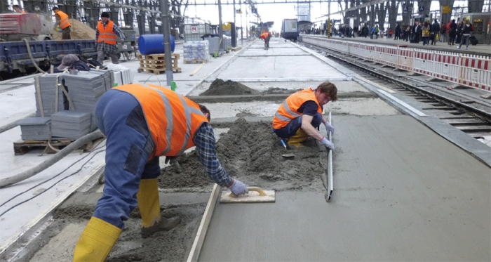 The Sopro Rapidur B5 fast drying screed binder, available in the UK and Ireland via Smet, was used in the renovation of Frankfurt Railway Station