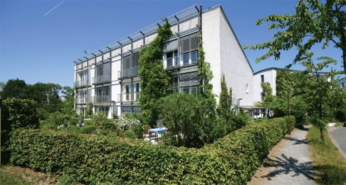 The first passive house, a four unit terrace built in the Kranichstein district of Darmstadt in 1991, will be available to visit as part of the International Passive House Conference