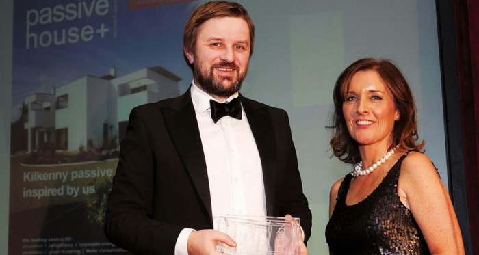 Pictured at the Irish Magazine Awards are Passive House Plus editor Jeff Colley and Magazines Ireland chief executive Grace Aungier