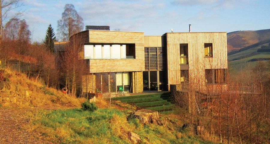 Scottish Borders home mixes ecology & efficiency